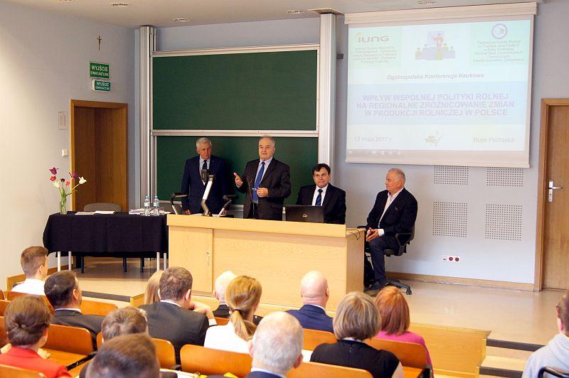 """Konferencja """"Wpływ WPR na regionalne zróżnicowanie zmian w produkcji rolniczej"""""""
