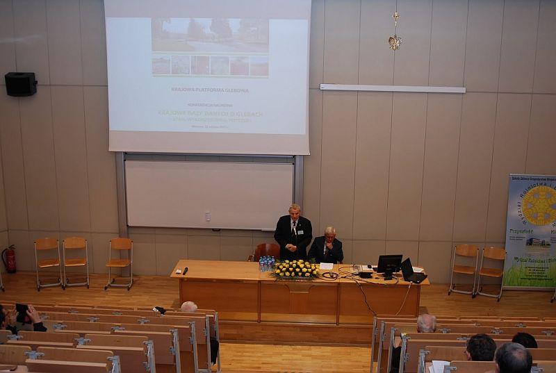 """Konferencja naukowa nt. """"Krajowe bazy danych o glebach..."""""""