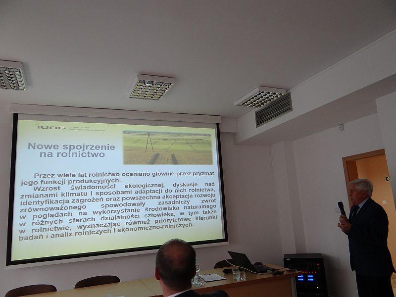 """Konferencja """"Efekty wdrażania Wspólnej Polityki Rolnej w kontekście wielokierunkowego rozwoju sektora rolnego"""""""