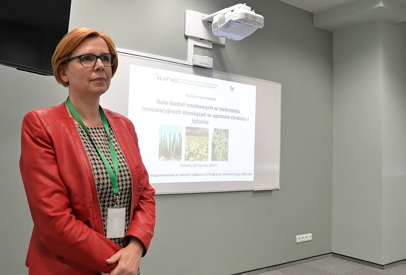 """Konferencja """"Rola badań naukowych w tworzeniu innowacyjnych rozwiązań w uprawie chmielu i tytoniu"""""""